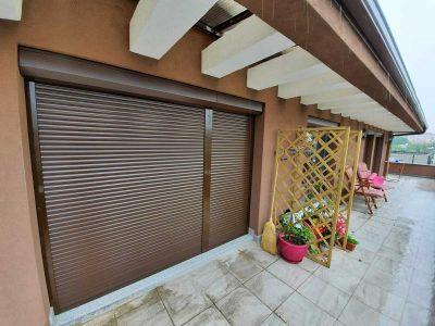 Външни алуминиеви щори и комарници на жилищна кооперация